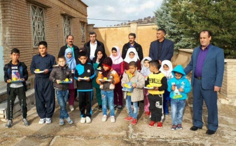 توزیع ۲۰۰ بسته لوازم التحریر در بین دانش آموزان عشایری و روستایی شهرستان ایوان