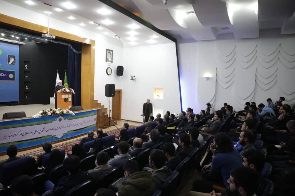 مطالبهگری شاخصه مهم دانشجوی انقلابی است