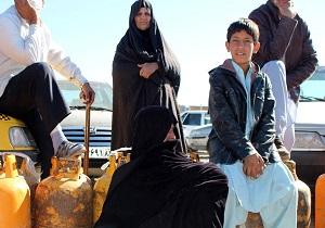سرگردانی مردم سیستان و بلوچستان برای تهیه گاز + فیلم