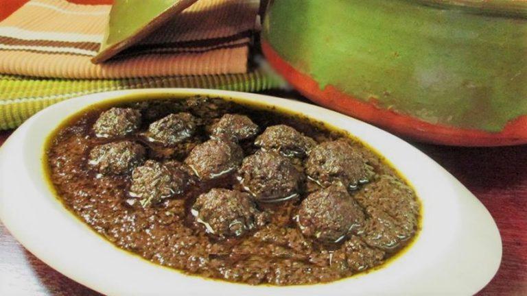 ۲ طرز تهیه خورش اناربیج گیلانی با مرغ یا گوشت+ترکیب دقیق سبزی