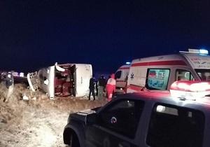 در واژگونی اتوبوس  در محور دامغان-سمنان ۲۴ نفر مصدوم شدند
