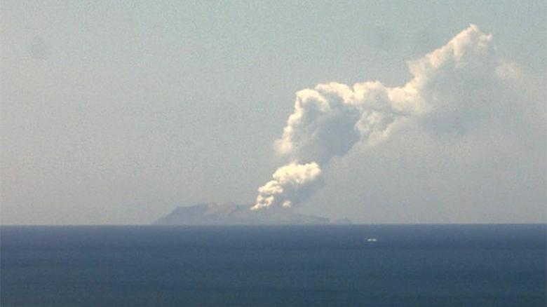 آتشفشان در نیوزیلند جان یک نفر را گرفت+ تصاویر