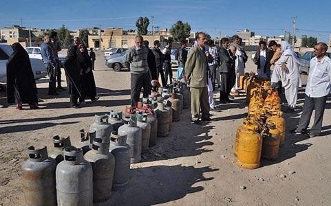 صف های طولانی گاز در سیستان وبلوچستان به قوت خود باقی است