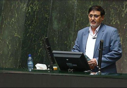 نمایندگان از توضیحات حاجی میرزایی قانع نشدند/ گزارش استیضاح یکشنبه به هیئت رئیسه ارائه میشود