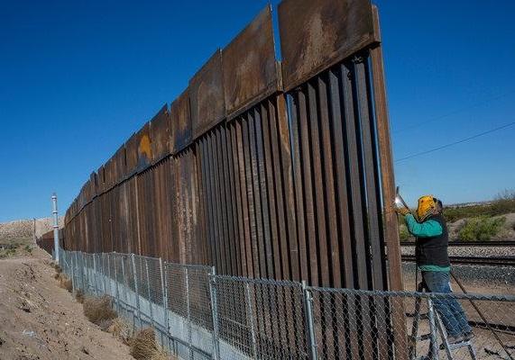 مخالفت قاضی فدرال با استفاده دولت ترامپ از بودجه نظامی برای ساخت دیوار مکزیک