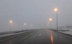 مه آلودگی و لغزندگی در محورهای مواصلاتی استان زنجان