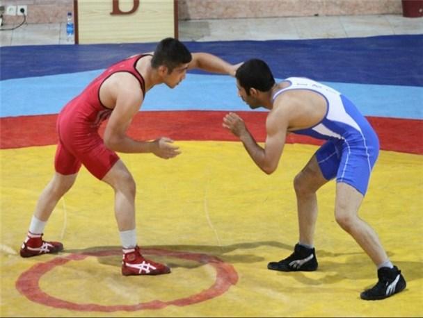 برگزاری مسابقات کشتی لیگ نوجوانان استان همدان در نهاوند