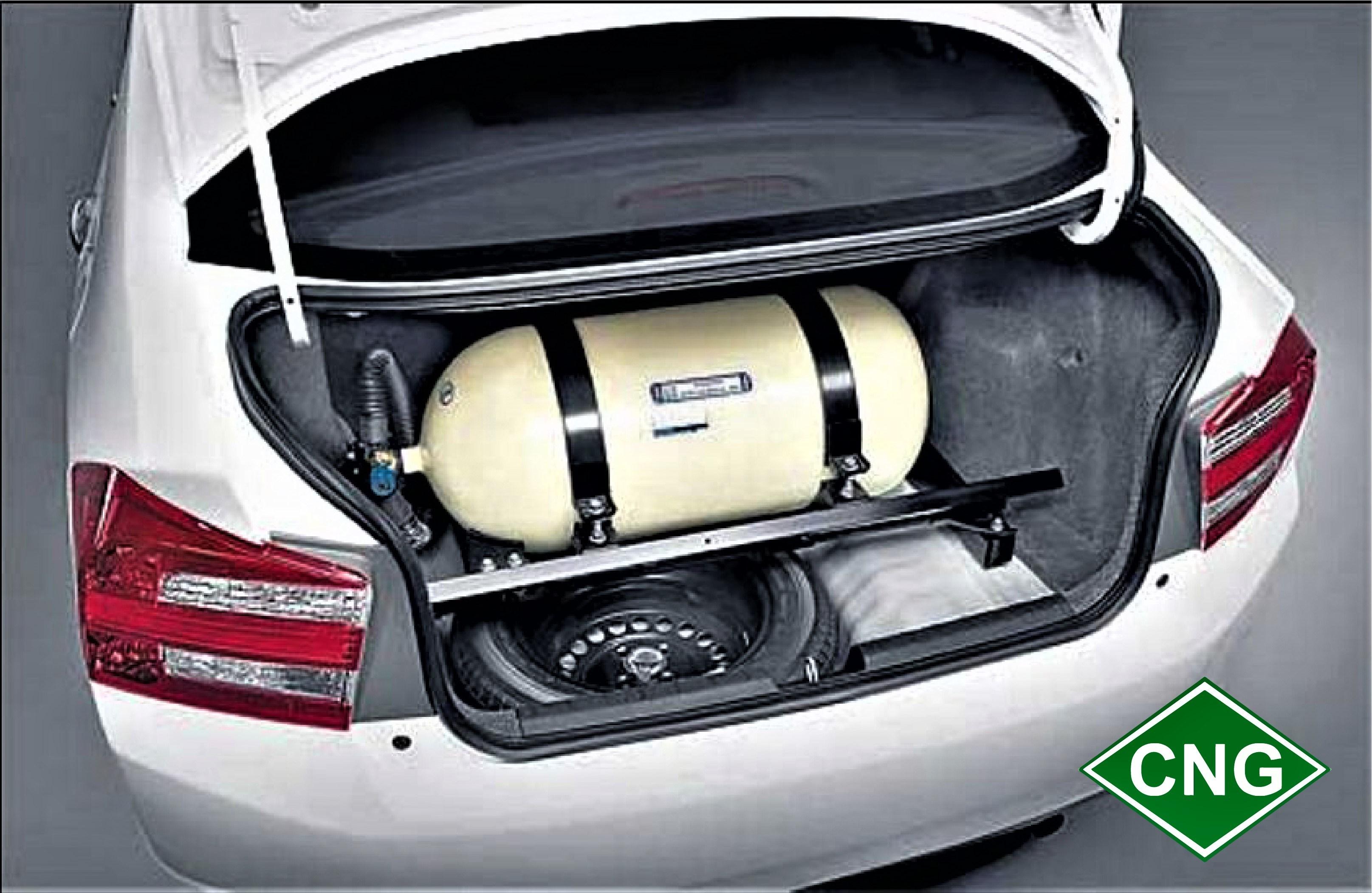 تبدیل ۶ هزار خودروی گازوئیلی به CNG / باید ماشینهای سنگین دوگانه سوز شوند