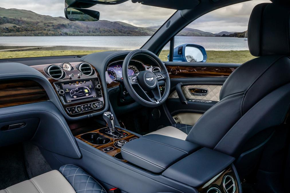 بررسی فنی خودرو بنتلی بنتایگا هیبرید ۲۰۱۹ + مشخصات