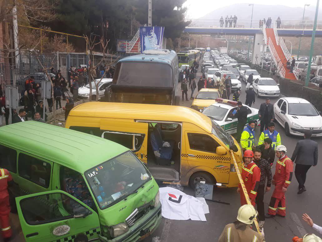 فوت یک نفر در حادثه برخورد اتوبوس با ۷ خودروی شخصی