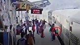 نجات نفسگیر زن سقوط کرده در شکاف سکوی قطار