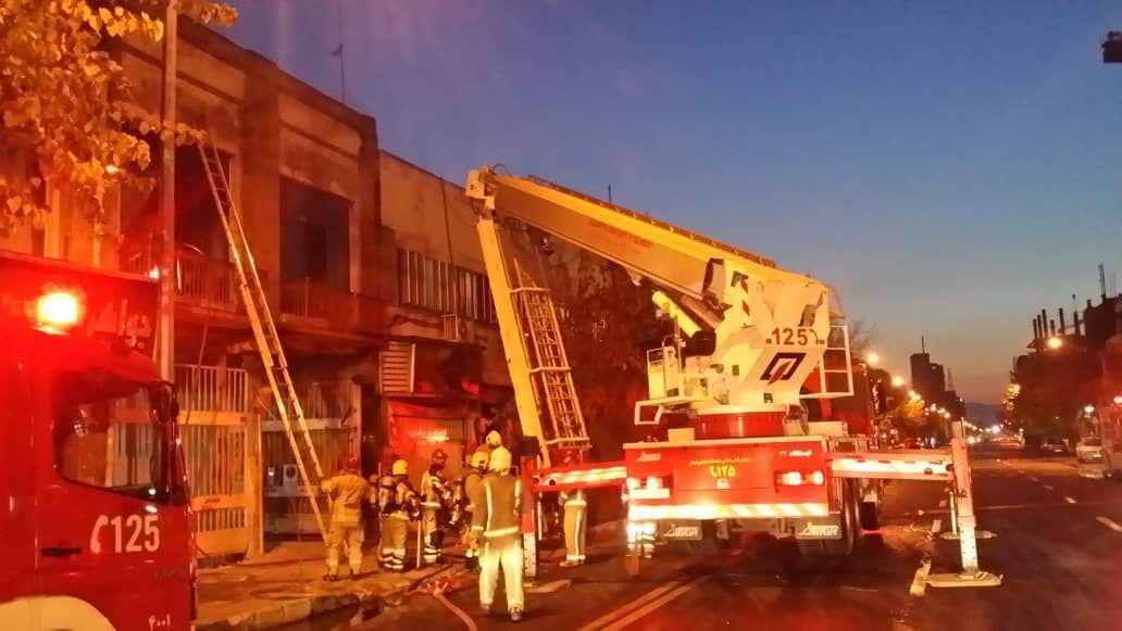 علل آتش سوزی صبح امروز در خیابان جمهوری در دست بررسی است