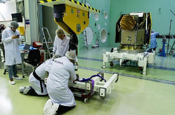 تلسکوپ فضایی خئوپس