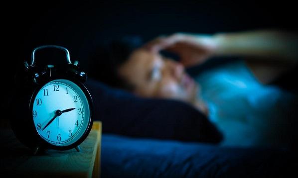 ۱۰ ترفند برای غرقشدن سهسوته در خوابی عمیق و آرام
