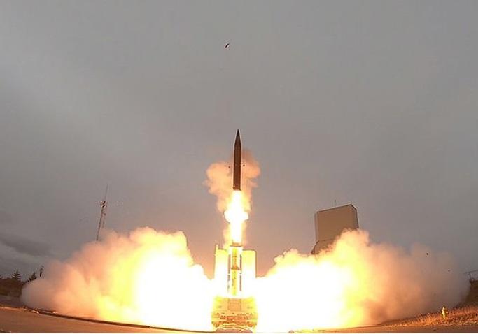 آزمایش موشک بالیستیک توسط آمریکا