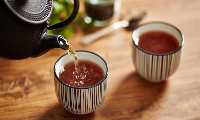 ۹ دلیل برای پرهیز از مصرف بیش از حد چای