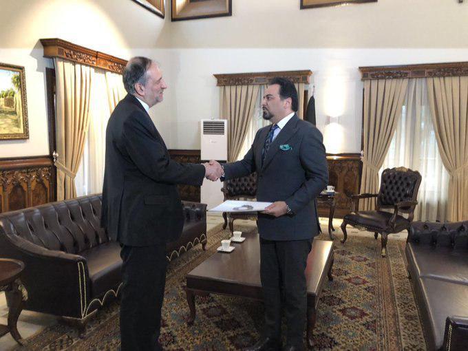 سفیر جدید ایران در کابل، استوارنامه خود را تقدیم ادریس زمان کرد