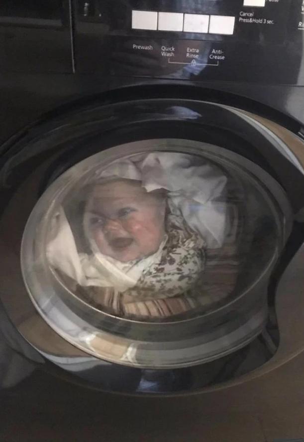 پدری که پس از دیدن پسرش در ماشین لباس شویی سکته کرد