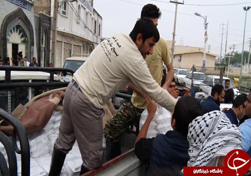 چهارمین روز آبگرفتگی در شهرستان کارون / مردم می گویند سپاه در کمک رسانی پیشتاز است
