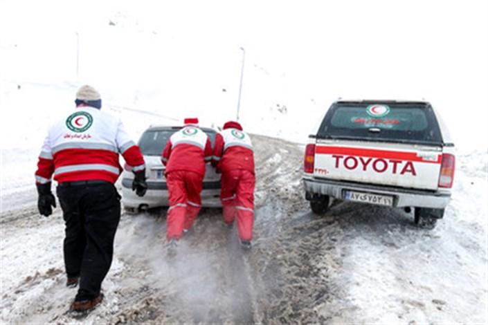 امدادرسانی به ٢٦٢٩٠ نفر در ۱۴ استان درگیر برف و کولاک و سیل/ سیل در بندرعباس یک کشته برجای گذاشت