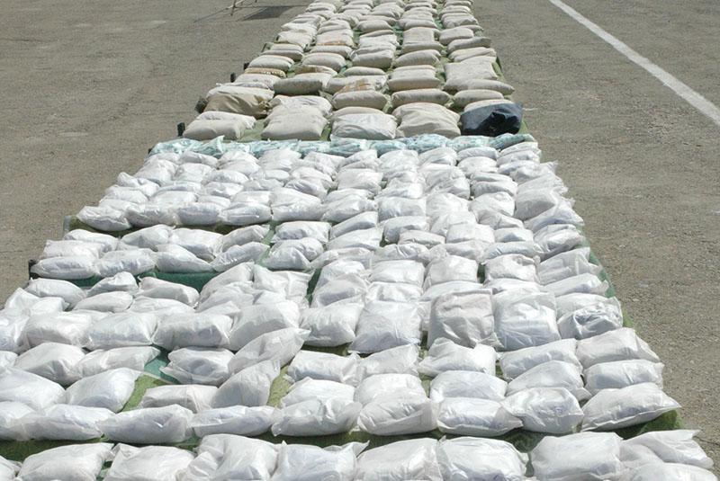 کشف بیش از ۲ تن موادمخدر در درگیری مسلحانه در جنوب شرق کشور