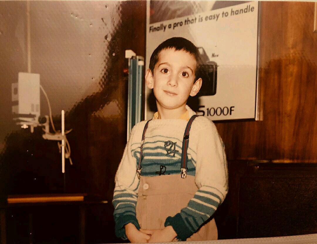 عکس دیده نشده از کودکی بازیگر نقش بایرام در خندوانه