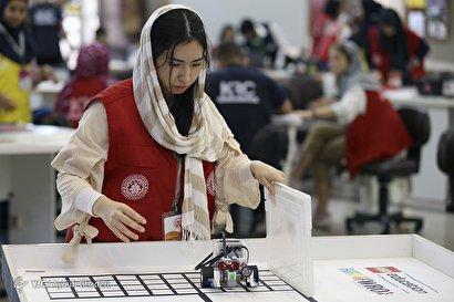 مسابقات بین المللی رباتیک دانش آموزی در کیش