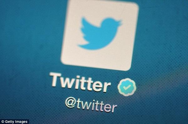 انتظار اطلاعات شخصی هزاران کاربر توئیتر و فیسبوک