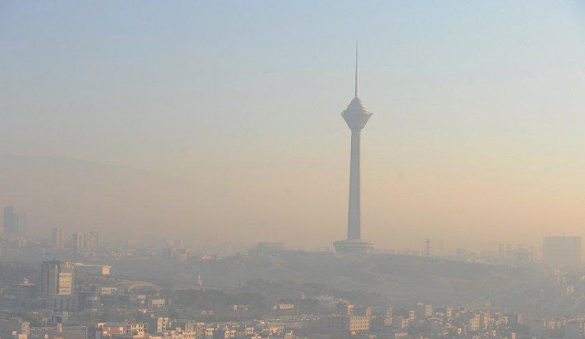 هوای پایتخت ناسالم است/ بیماران ریوی و قلبی فعالیت خود را خارج از منزل کاهش دهند