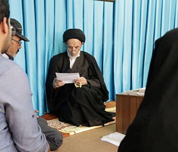 امام جمعهای از جنس مردم/ عالمی که نمیخواهد «آیت الله» صدایش کنند