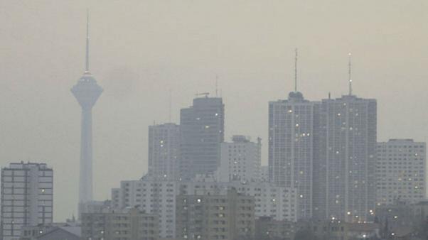 تعطیلی مدارس و دانشگاه های تهران به علت الودگی هوا در روز شنبه  ۹آذر/ بازی پرسپولیس - نساجی لغو شد