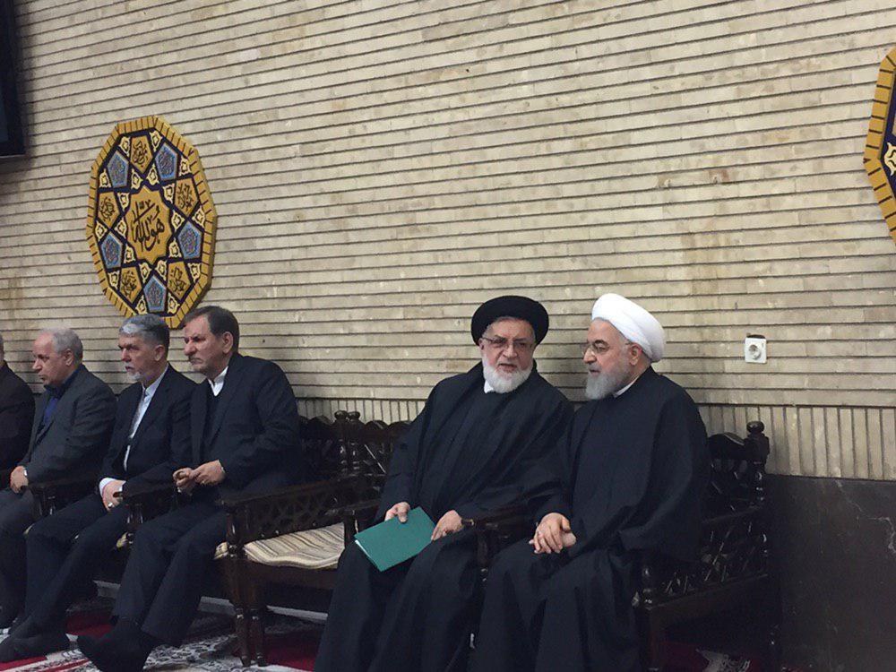 مراسم ختم خواهر رئیس جمهور در مسجد بلال برگزار شد