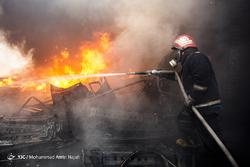 آتش سوزی انبار لوازم یدکی خودرو در همدان
