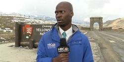 حرکت جالب خبرنگار حین گزارش زنده تلویزیونی!