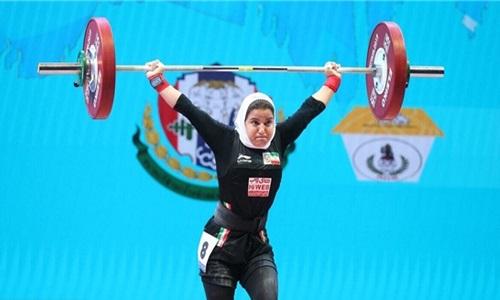 تمجید رسانه انگلیسی از بانوی وزننهبردار- پرستار ایران