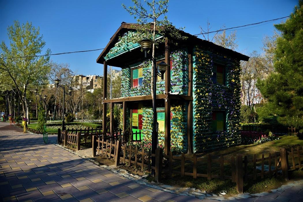 تور مجازی باغ لالههای کرج را از دست ندهید