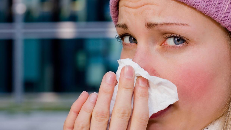 استفاده از کورتون به صورت دارو و یا اسپری در داخل بینی توصیه نمی شود