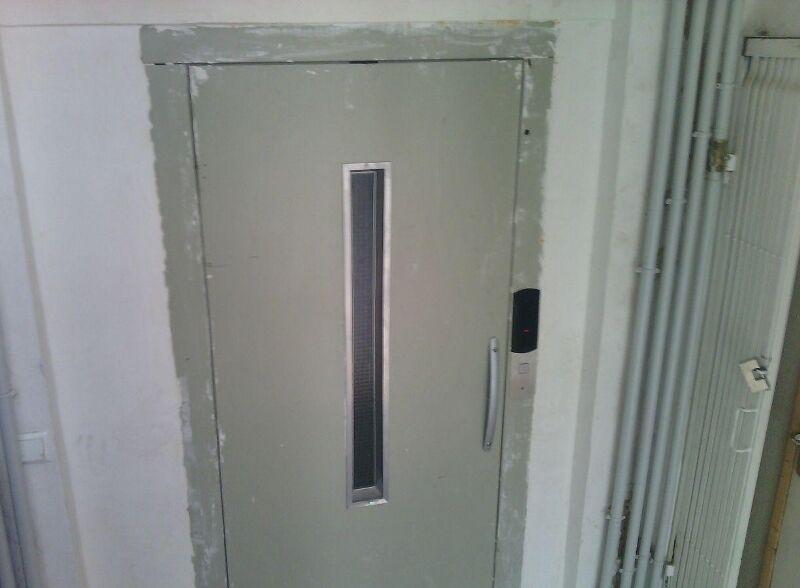 تاریخچه اختراع آسانسور/آسانسورهای اولیه سه قرن پیش از میلاد مسیح استفاده می شدند