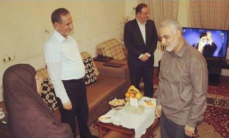حضور شهید حاج قاسم سلیمانی در منزل پدری اسحاق جهانگیری