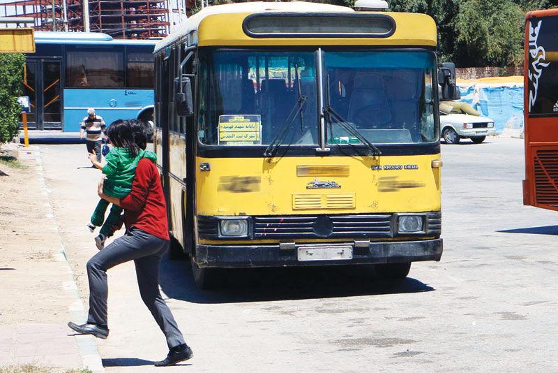 کمبود ۶۰۰ دستگاه اتوبوس شهری در اهواز / پایانه آزادگان چه روزی از بند آزاد میشود؟
