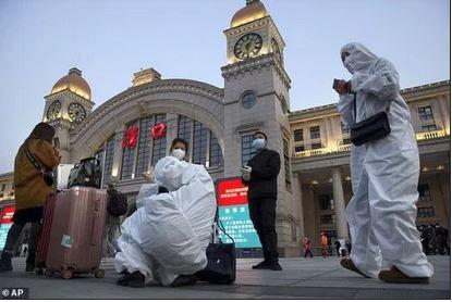 فرار هزاران نفر از ووهان در نخستین ساعات لغو ممنوعیت خروج از این شهر+ تصاویر