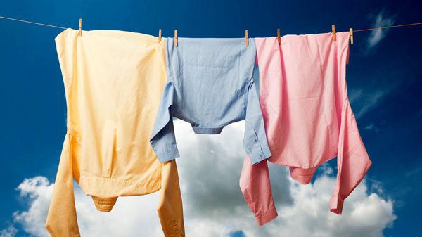 حسنی// ویروس کرونا؛ چند نکته اساسی برای پاکسازی لباسها
