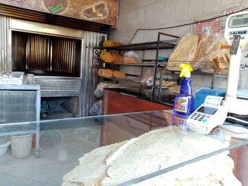 ویروس کرونا؛ رعایت فاصله گذاری در نانوایی ها را جدی بگیرید
