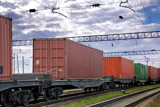 راه آهن کرمانشاه دهکده لجستیک را با خود میآورد/ تلاشهای راه آهن پس از ۳۰ سال به ثمر مینشیند/ دهکده لجستیک سوار بر واگنهای راه آهن/