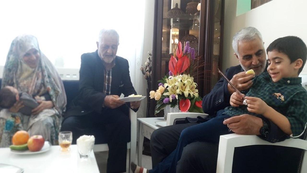 عکس العمل حاج قاسم از ازدواج مجدد همسر شهید/سردار سلیمانی: ازدواجت جهاد بود