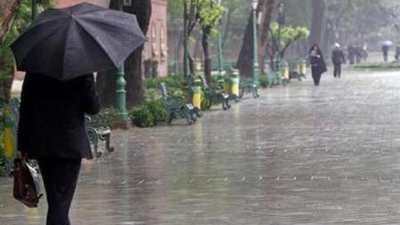 بارش شدید باران  و لغزندگی معابر در سطح استان سمنان