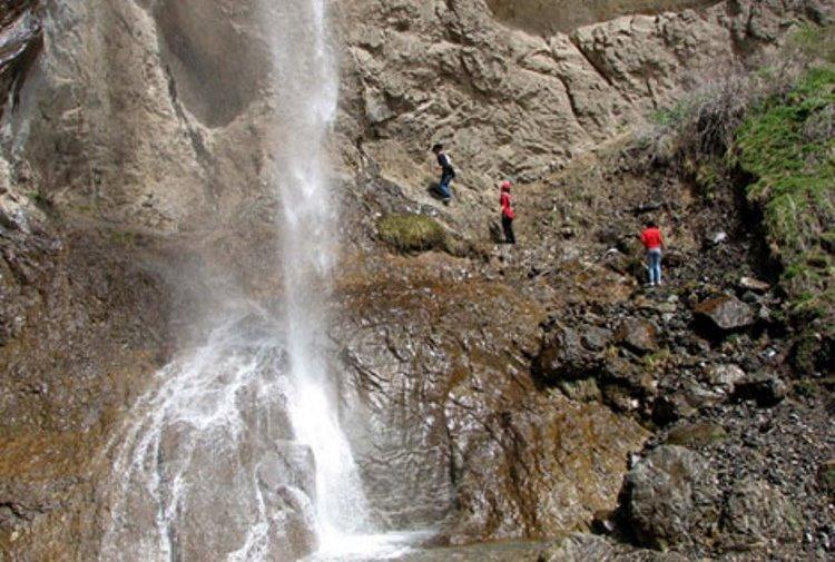 گردشگری مجازی در تهران؛ آبشاری دلربا در 20 کیلومتری تهران+تصاویر