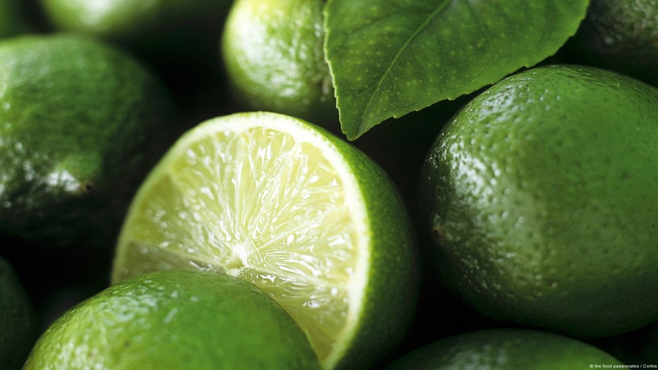 ایزدخواه ///// لیمو ترش و بیشتر از ۱۰ نوع خواص درمانی جالب آن