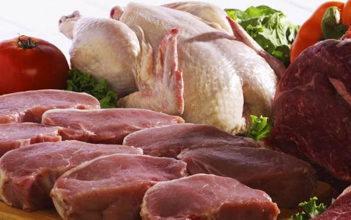محدودیتی در توزیع گوشت و مرغ منجمد وجود ندارد/ قیمت هر کیلو گوشت منجمد ۴۰ هزار تومان/ مرغ مازاد مرغداران خریداری میشود