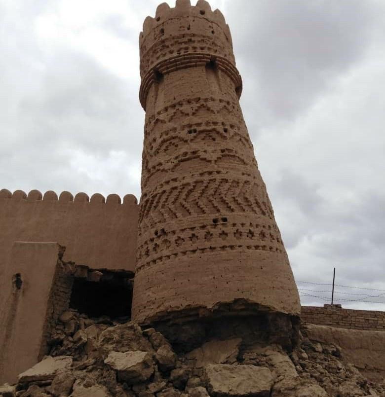 چهار برج یزدان آباد دچار آسیب شد